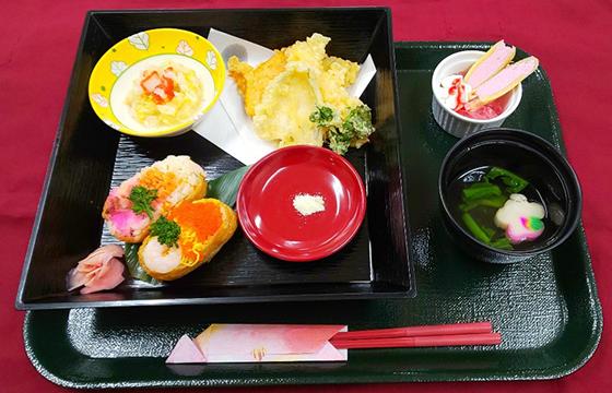 写真:食事サンプル4