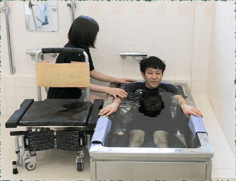 写真:入浴の様子